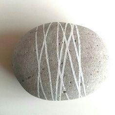 Malet sten-Hanne Broch