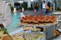 """""""Με πολύχρονη πείρα σε υπηρεσίες banquet και με την αξιοπιστία του ELEFSINA HOTEL, ΤΟ ΣΤΑΧΥ Catering Services δημιουργήθηκε με στόχο να σας προσφέρει μια μοναδική εμπειρία τεσσάρων αστέρων."""" Δείτε ΤΟ ΣΤΑΧΥ CATERING, στο Gamos Portal! #weddingcatering #gamosportal Banquet, Catering, Table Decorations, Catering Business, Gastronomia, Banquettes, Dinner Table Decorations"""