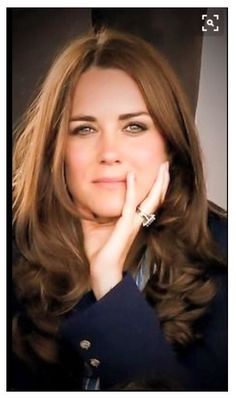 Kate Middleton, Duchess of Cambridge, July 2014 she could not look unattractive if she tried Lady Diana, Looks Kate Middleton, Estilo Kate Middleton, Kate Middleton Ring, Princesa Kate Middleton, Royal Princess, Prince And Princess, Princess Diana Ring, Prince Harry