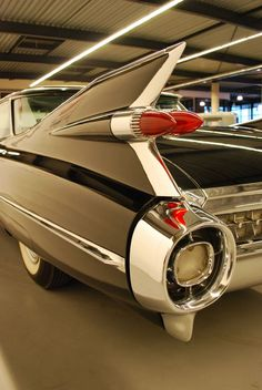 Classic Cars – Old Classic Cars Gallery 1959 Cadillac, Pink Cadillac, Us Cars, Sport Cars, Retro Cars, Vintage Cars, Classic Trucks, Classic Cars, Convertible