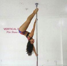 Pole Dance Moves, Pole Dancing Fitness, Pole Fitness, Pole Art, Dance Photos, Handstand, Sport Girl, Exercise, Bap