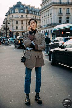 Haute Couture Spring 2020 Street Style: Liu Wen, Home Page Liu Wen between the fashion shows. Liu Wen, High Street Fashion, Street Chic, Street Style Trends, Street Style Women, Street Style Blog, Spring Street Style, Spring Style, Street Styles