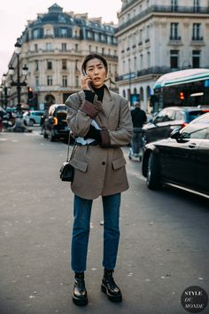Haute Couture Spring 2020 Street Style: Liu Wen, Home Page Liu Wen between the fashion shows. Liu Wen, High Street Fashion, Street Chic, Street Style Trends, Street Style Women, Street Styles, Trend Fashion, Fashion 2020, Fashion Blogs