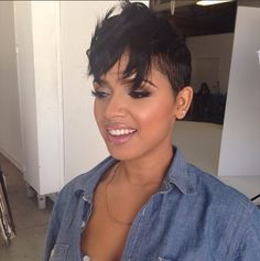 I don't even know how this happened but it looks cool! Short Black Hairstyles, Funky Hairstyles, Bride Hairstyles, Straight Hairstyles, Sassy Haircuts, Shaved Hairstyles, Short Sassy Hair, Short Hair Cuts, Short Hair Styles