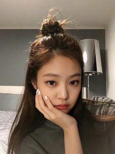 Read JENNIE (BLACKPINK) from the story KPOP chirurgie ! KIM Jennie est un membre du girlsband. Blackpink Jennie, Kpop Girl Groups, Kpop Girls, K Pop, Korean Beauty, Asian Beauty, Korean Girl, Asian Girl, Blackpink Wallpaper