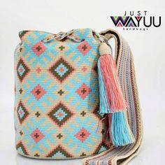 257 отметок «Нравится», 2 комментариев — Just Wayuu (@just.wayuu) в Instagram: «Handcrafted handbags made by indigenous wayuu in the north of Colombia. Worldwide shipping. PayPal…»