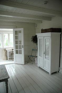 white walls & white wood floors?