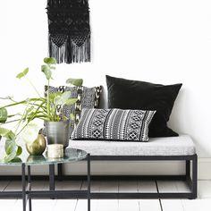Coussin rectangulaire coton noir et blanc Indi House Doctor : Decoclico