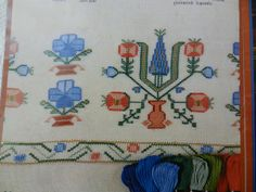 Folk Embroidery, Embroidery Patterns, Cross Stitch Patterns, Diy And Crafts, Arts And Crafts, Turkish Art, Bargello, Bookbinding, Fabric Design