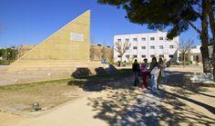 Cinco titulaciones de la Escuela Politécnica Superior (EPS) de la Universidad de Alicante han obtenido el prestigioso sello de reconocimiento Acredita Plus. @epsalicante
