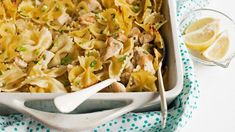 Creamy Lemon Chicken Pasta Bake - This easy pasta bake is creamy and hearty without being heavy, and a bright lemon flavor makes it even more delicious. Lemon Chicken Pasta, Creamy Lemon Chicken, Lemon Pasta, Canned Chicken, Cheesy Chicken, Garlic Chicken, Baked Pasta Recipes, Chicken Recipes, Cooking Recipes