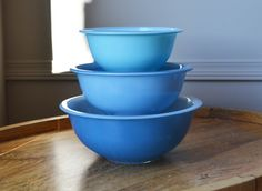 Blue Pyrex Glass Bottom Nesting Bowls by TheEverlastingGarden ...