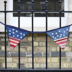 Upcycled Denim Bunting - I also have a Union Jack version of this bunting on the blog.
