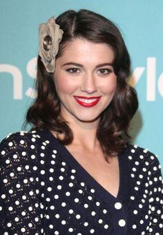 Mary Elizabeth Winsteads charming hair clip