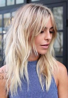 Amazing Hairstyles for Long Thin Hair (Must-See Haircuts for Fine Hair) 27 Amazing Long Hairstyles for fine thin hair with bangs and layers Haircut Diy, Long Shag Haircut, 1970s Haircut, Indie Haircut, Shaggy Layered Haircut, Haircut Bangs, Modern Shag Haircut, Shaggy Bob, Haircut Styles