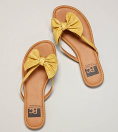 So cute! These bow flip flops would be great with so many things
