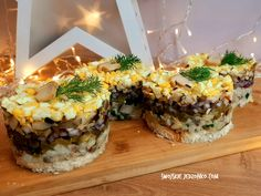 Sushi, Table Decorations, Ethnic Recipes, Food, Home Decor, Decoration Home, Room Decor, Essen, Meals