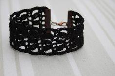 """Bracelet manchette au crochet - dentelle fait-main - modèle """"3 épis"""" - coton noir - création Pépée-fantaisies : Bracelet par pepee-fantaisies"""
