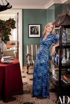 Ali Wentworth recounts how she and George Stephanopoulos relocated to New York in a flash--aided by their close friend and favorite designer, Michael S. George Stephanopoulos, New York Apartments, Manhattan Apartment, Mature Fashion, Celebrity Houses, Celebrity Mansions, Eclectic Style, Architectural Digest, Fall Outfits