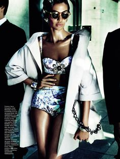 Joan Smalls -Mario Testino - Vogue Brasil