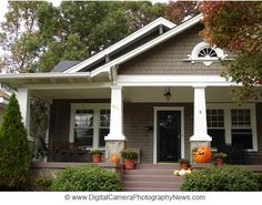 Love the craftsman-style cottage chunky front pouches and tapered columns!