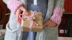 Tonttusukat - neulo lämmin joululahja Burlap, Reusable Tote Bags, Accessories, Fashion, Moda, Hessian Fabric, Fashion Styles, Fashion Illustrations, Jute