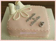 Sade ve şık  Nişan Pastası
