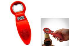 Este destapador también lleva la cuenta de cuántas cervezas se van abriendo. Ideal para los que quieren llevar un control.