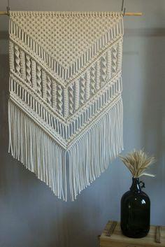Macrame Wall Hanging Patterns, Macrame Plant Hangers, Macrame Bag, Macrame Hanging Chair, Macrame Patterns, Large Macrame Wall Hanging, Creation Deco, Macrame Design, Macrame Tutorial