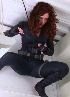 Scarlett Johansson as the Black Widow Marvel Women, Marvel Girls, Marvel Heroes, Marvel Comics, Marvel Dc, Black Widow Avengers, Scarlett Johansson, Black Widow Scarlett, Black Widow Natasha