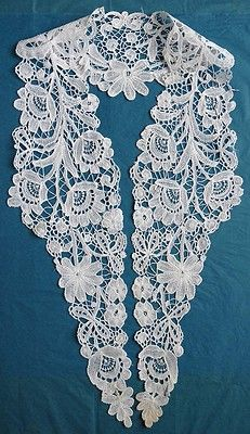 Cut bibs to this shape ! Crochet Collar, Lace Collar, Antique Lace, Vintage Lace, Irish Crochet, Crochet Lace, Bobbin Lacemaking, Lace Gloves, Point Lace