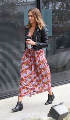 3668bff41f6 Jessica Alba s Easy Trick for Wearing Your Summer Dresses in Fall Jess Alba  killin  it in this modern grunge ensemble. I could never pull off this  length ...