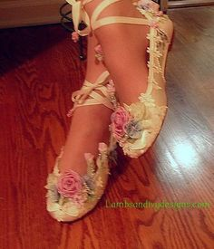 Faerie Bride' Shoes Princess Ballet Slippers by lambsandivydesigns - Elegante Schuhe Cute Shoes, Me Too Shoes, Fairy Shoes, Ballet Shoes, Dance Shoes, Bride Shoes, Marie, Shoe Boots, Costumes