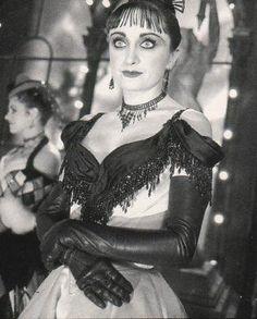 caroline o´connor | Caroline O'Connor as 'Nini Legs in the Air' in Moulin Rouge.: Caroline ...