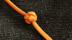 How To Tie A Paracord Celtic Button Knot Hand Wrap Style (Turks Head Sto...
