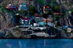 The beautiful neighbourhood of the battery – where staunch Newfoundlanders have built their homes right into the cliff face.