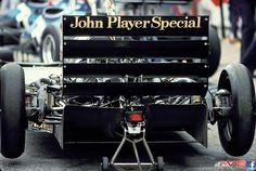 f1 Tyres were Pirelli, drivers Elio De Angelis and Nigel Mansell. Designed by Gerard Ducarouge using the Lotus 91 (aka Lotus 88-87-92) chassis.