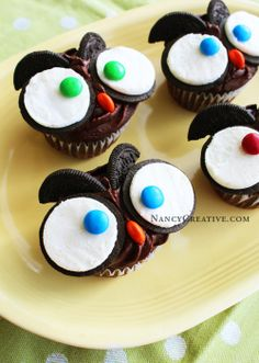 Owl Cupcakes!  So cute for a Halloween party!