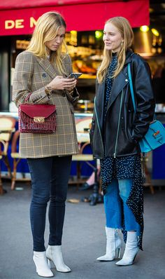 """Once """"Ugly"""" Ankle Boots Are Everywhere Now Jeans with white booties.Jeans with white booties. Booties Outfit, Bootfahren Outfit, Street Style 2017, Street Chic, Street Styles, Who What Wear, Fashion Mode, Womens Fashion, Style Fashion"""