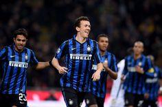 @intermilan1908 L'Inter perde Mauro Icardi per un problema al ginocchio, ma nella ripresa riesce a superare il Bologna grazie alle reti di Ivan Perišić e Danilo D'Ambrosio e balza provvisoriamente al quarto posto #9ine