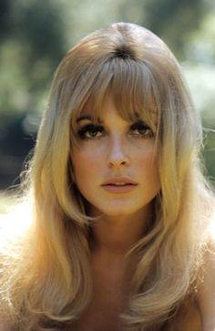 Sharon Tate, 1960s love the makeup.                                                                                                                                                                                 Mais