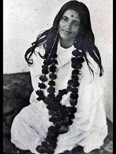 Sri Ananadamayi Ma