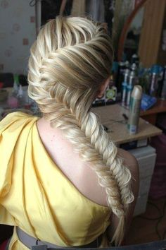 Mindblowing fishtail braid hairstyle - the person who did this has incredible talent.