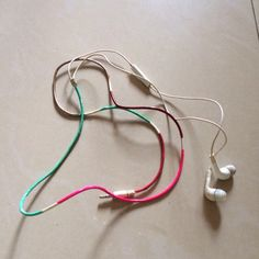 Make Colorfully Painted Headphones