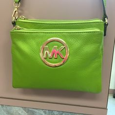 Michael Kors crossbody Green with gold hardware Michael Kors Bags Crossbody Bags