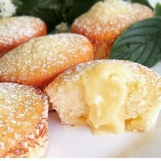 Citron muffins with lemon curd filling Baking Recipes, Cookie Recipes, Snack Recipes, Dessert Recipes, Snacks, Cheesecakes, Bagan, Scones, Cookie Cake Pie