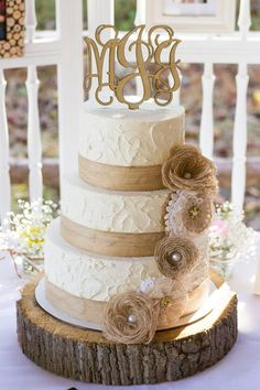 Rustic Burlap and Lace Wedding - Cake
