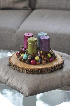 Christmas Advent Wreath, Gold Christmas Tree, Xmas Wreaths, Christmas Candles, Christmas Centerpieces, Xmas Decorations, Christmas Crafts, Advent Wreaths, Natural Christmas