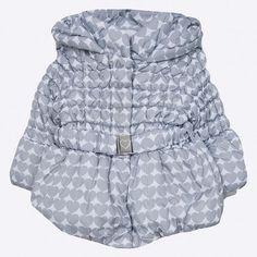 Geaca pentru copii din colectia Blukids. Model izolat confectionat din material ornamentat.  #geaca #geacadeiarna #hainecopii #hainecool #haineieftine Winter Jackets, Model, Fashion, Winter Coats, Moda, Fashion Styles, Scale Model, Fasion