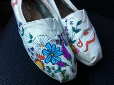 Flower TOMS shoes by BStreetShoes on Etsy, $99.00
